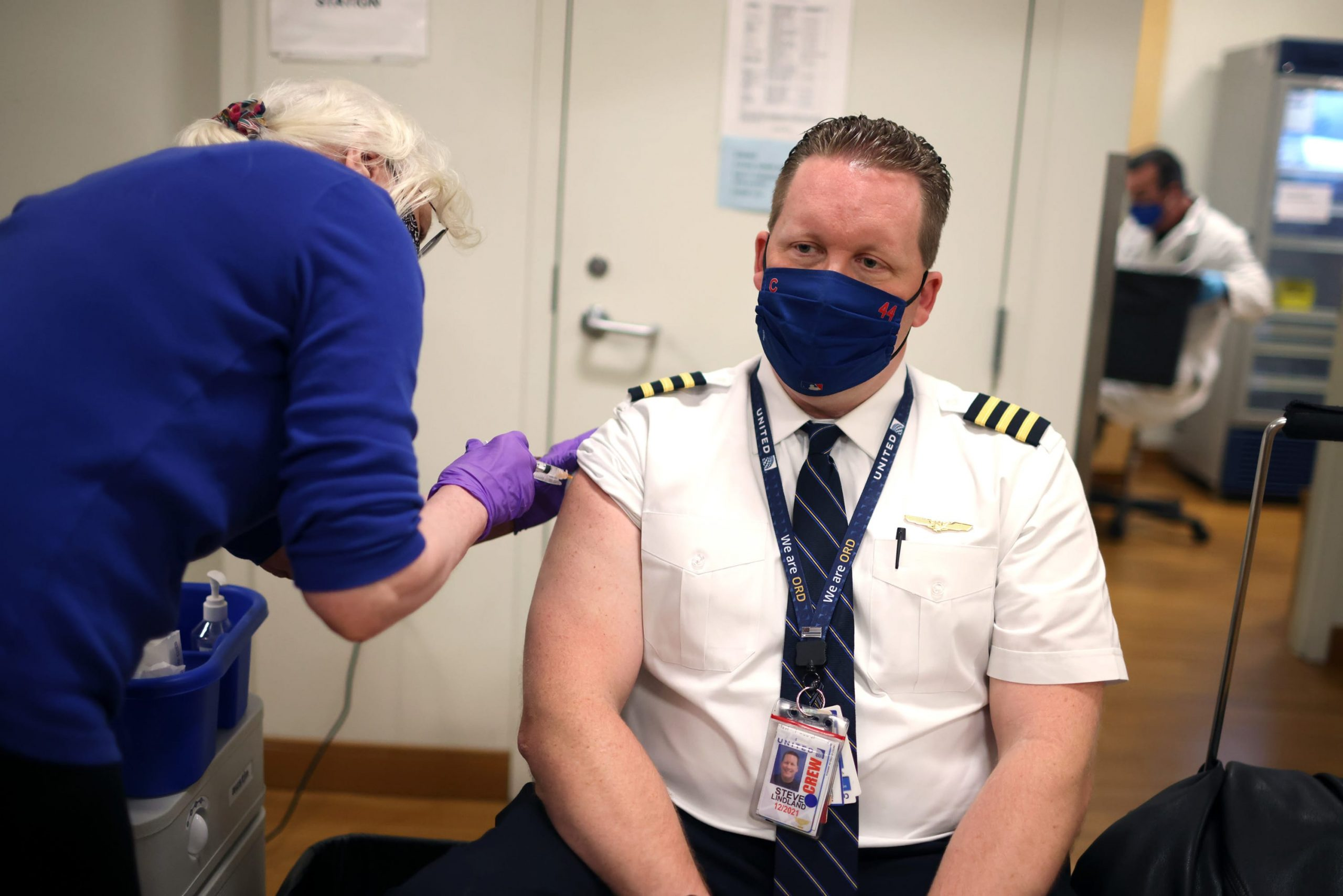 Unvaccinated United Airlines staff faces termination as early as today