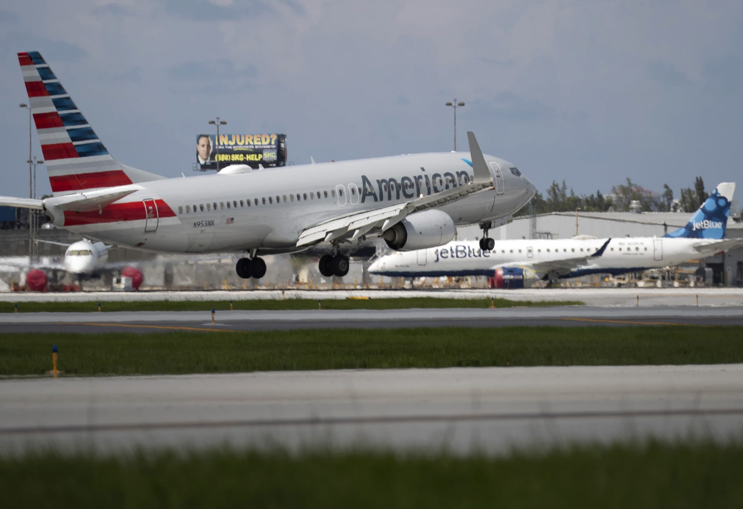 JetBlue revamps website to avoid confusion with new partner American Airlines